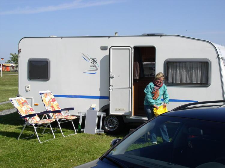 campingurlaub wohnwagen mieten wohnwagen mieten mini. Black Bedroom Furniture Sets. Home Design Ideas